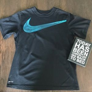 3/$30 Nike Dri-Fit Black T-Shirt Boys Large